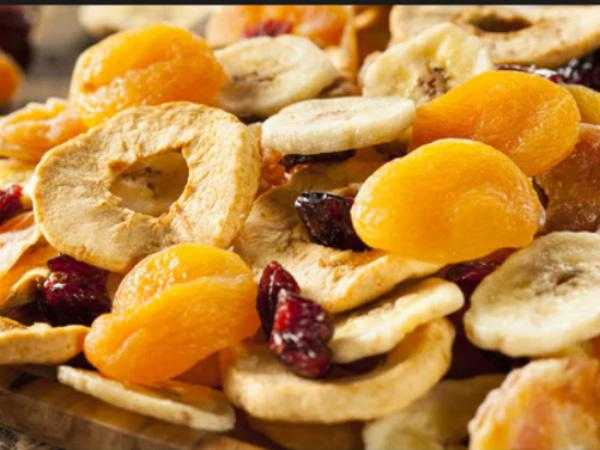 How Many Dealers are Active in Dried Fruit Market?